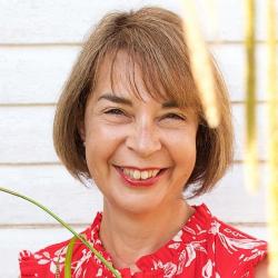 Maggie Newton
